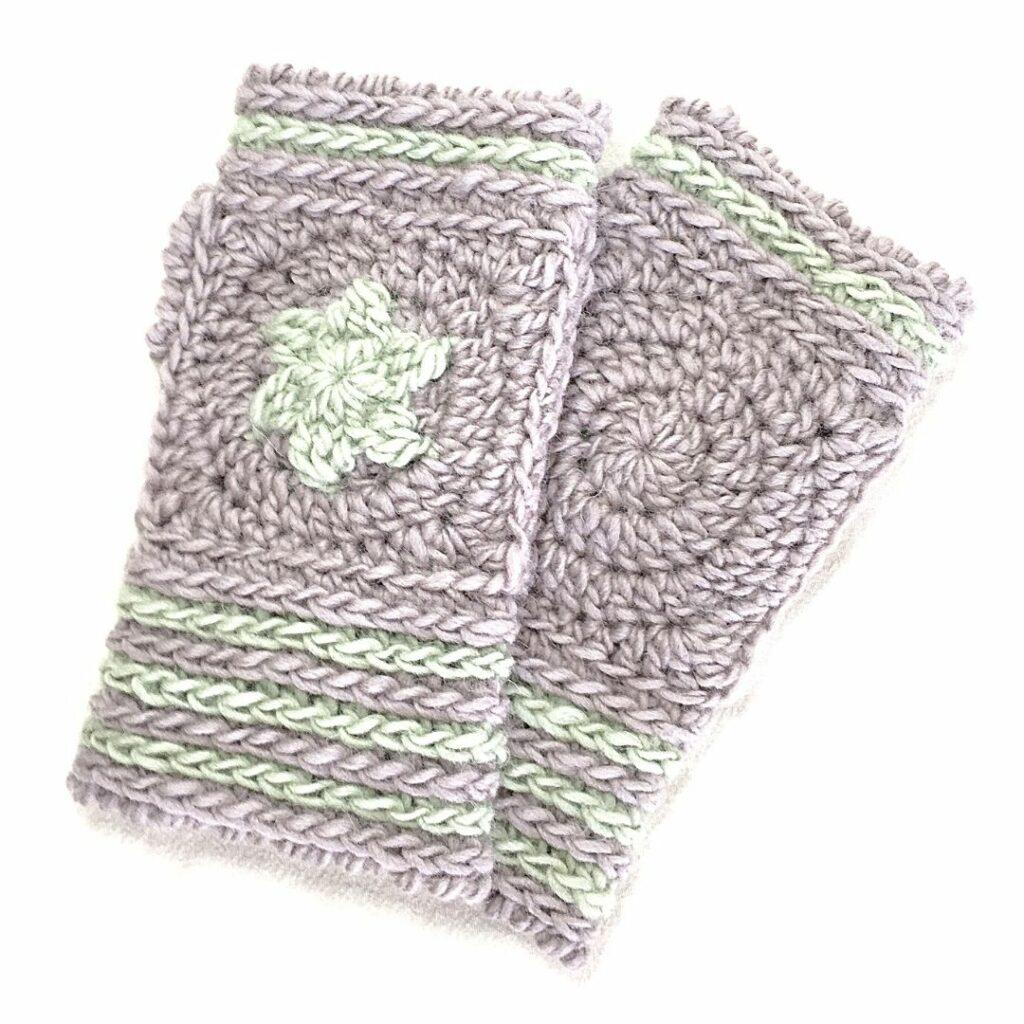 crocheted topstar mittens